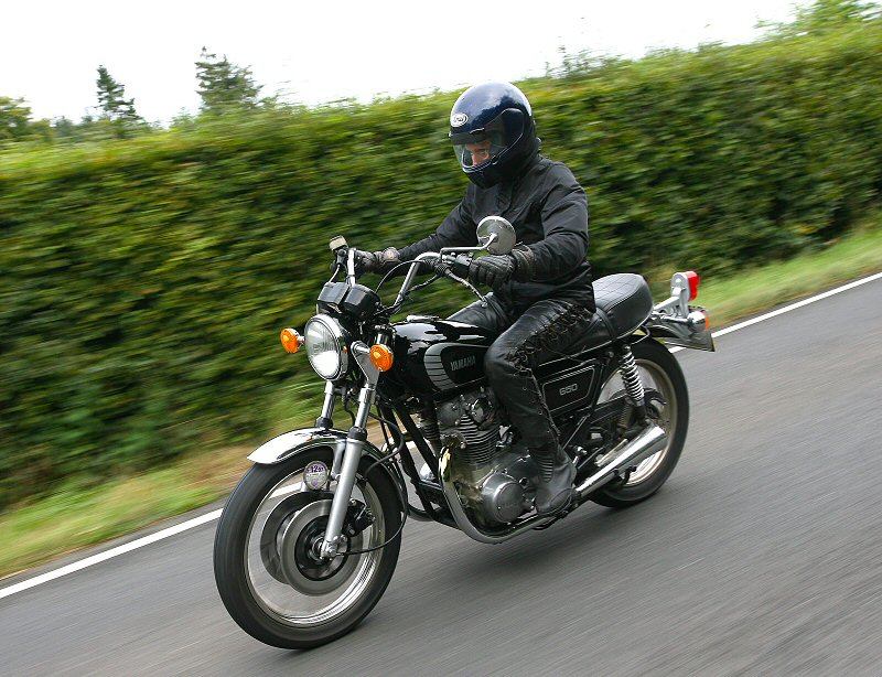 Lyn Watts riding her 1978 XS650D in a Devon lane near Halwill
